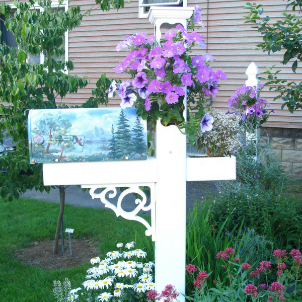 Dreamy style planter Mailbox Post in full bloom