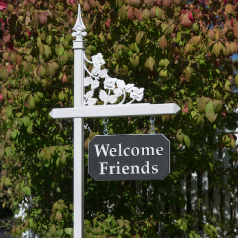 White lawn sign holder with customized welcome sign on black-white-black color core